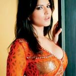 Sunny Leone fire hot